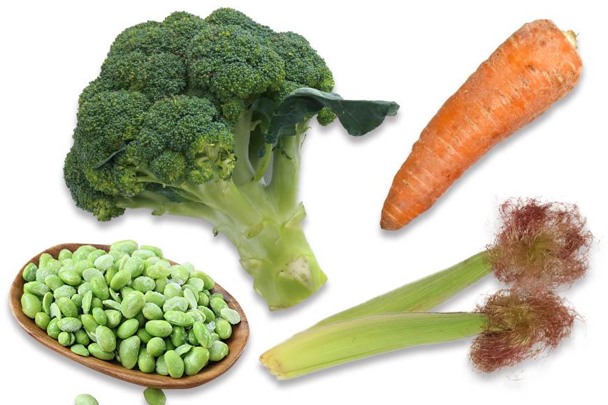燉飯食材搭配推薦:可以選用較耐煮的蔬菜如玉米筍、毛豆、胡蘿蔔等,若使用青花椰菜可以最後再拌入,避免過於軟爛。