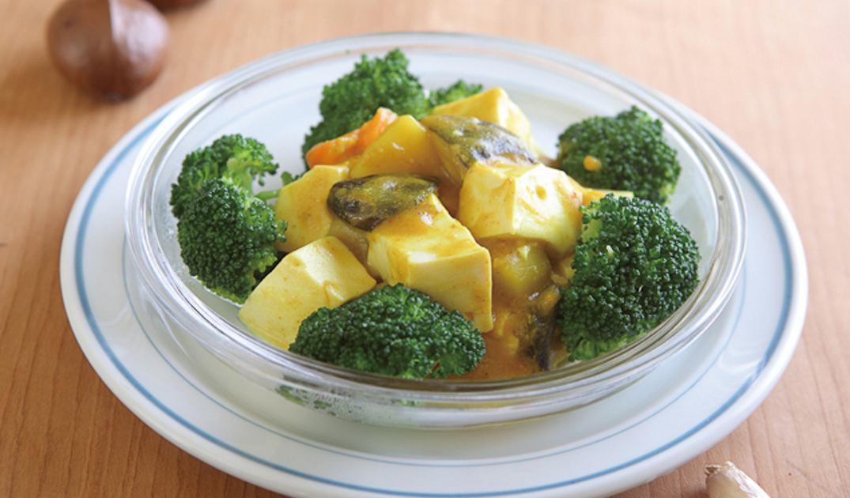 咖哩豆腐煲。銀髮養肌食譜。