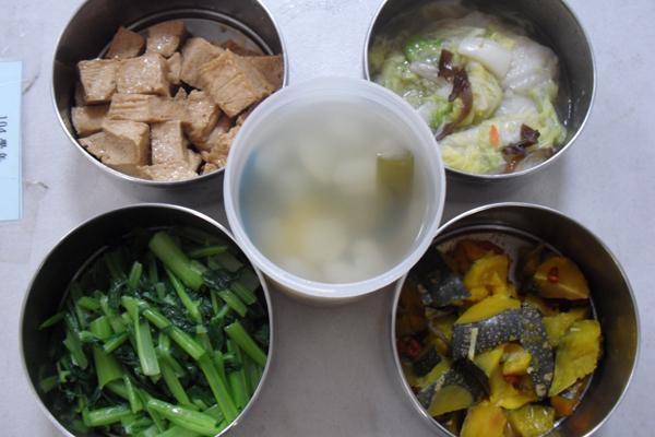 素食午餐全面使用非基改食材,成本不變,一樣安心美味-600